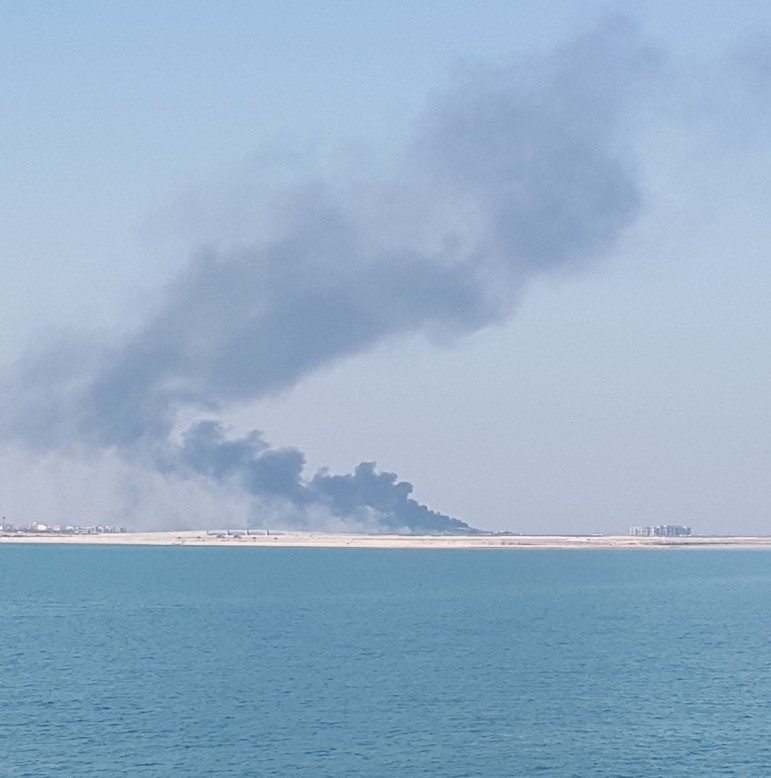 Battle blaze at construction site on Pearl-Qatar