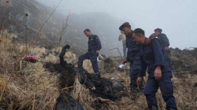 Emergency workers find bodies of Nepal plane crash victims