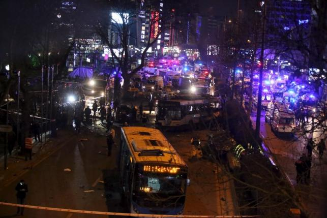 Second car bomb in a month kills 34 in Turkish