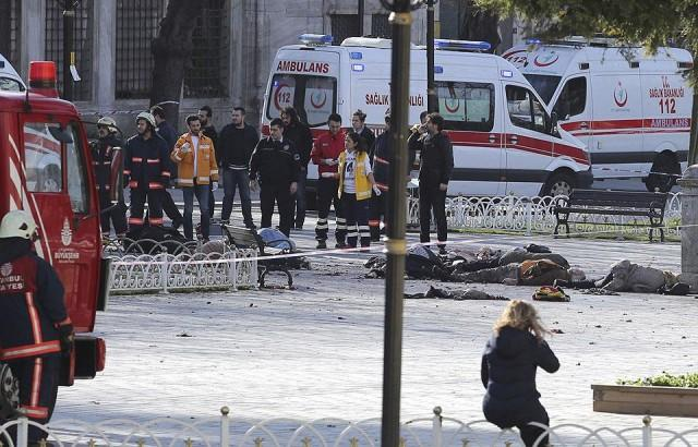 Suicide bombing kills five, wounds 36 in central Istanbul