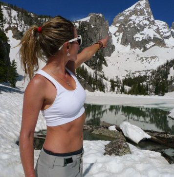 10 hottest women in freeskiing right now