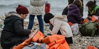 At least ten migrants drown off Turkey