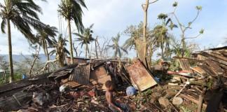 Cyclone slams into Tonga