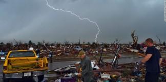 Tornado strikes Oklahoma